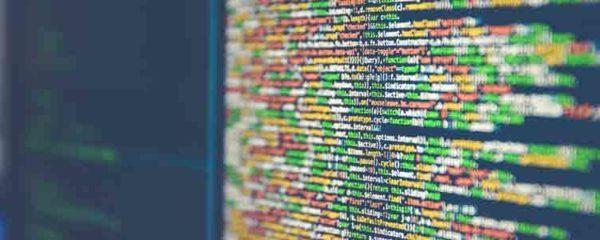 données sur l'ordinateur d'un data engineer